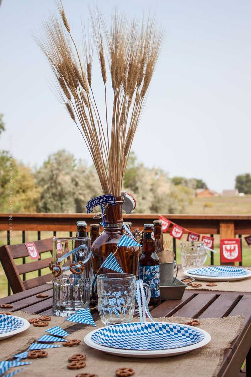 Oktoberfest Party Tablescape and decorations. #oktoberfestparty #oktoberfestbash