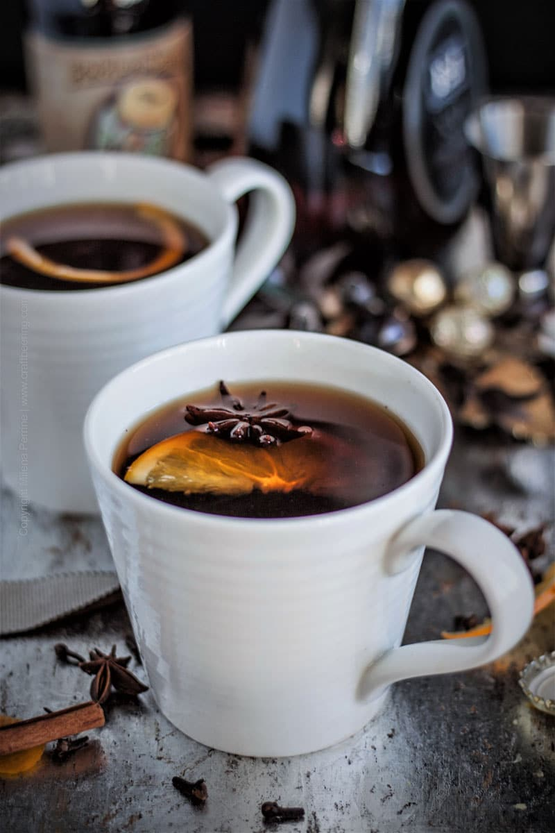 Mulled ale with brandy and spices #mulledale #mulledalerecipe