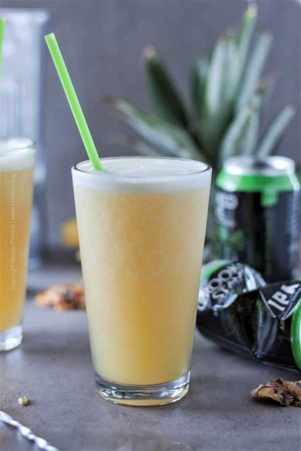 Pineapple slushi with juicy IPA - freshly mixed.